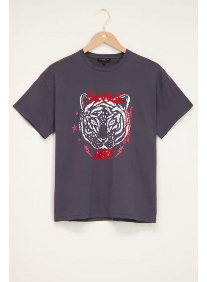 My Jewellery T-shirt Savage Love Donkergrijs