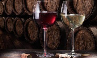 hoeveel wijn schenk je in een wijnglas