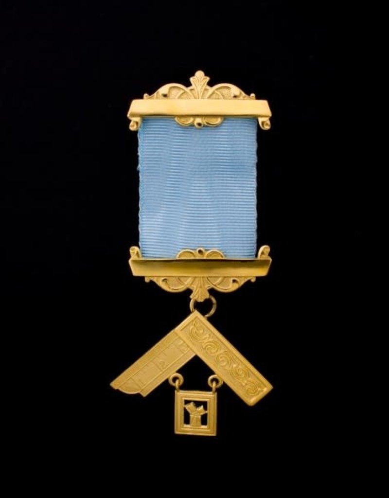 Craft Past Master Breast Jewel | Gold