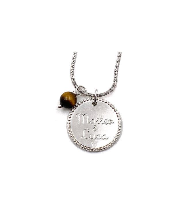 Pendentif médaille gravé contour de perles