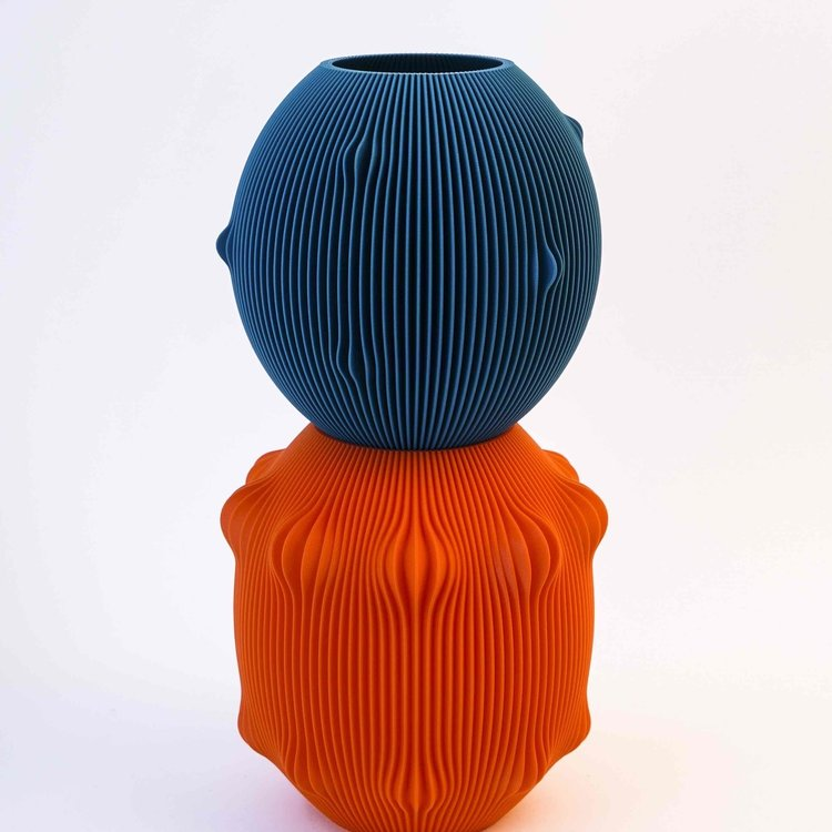 UAU project UAU vase Sensual orange blue