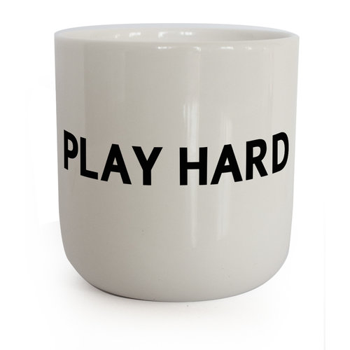 PLTY PLTY beker Play Hard