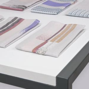 Textielmuseum Mae Engelgeer set 2 napkins ERA