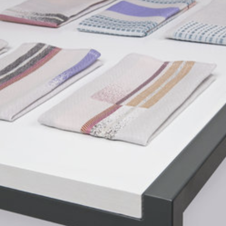 Textielmuseum Mae Engelgeer set 2 servet ERA
