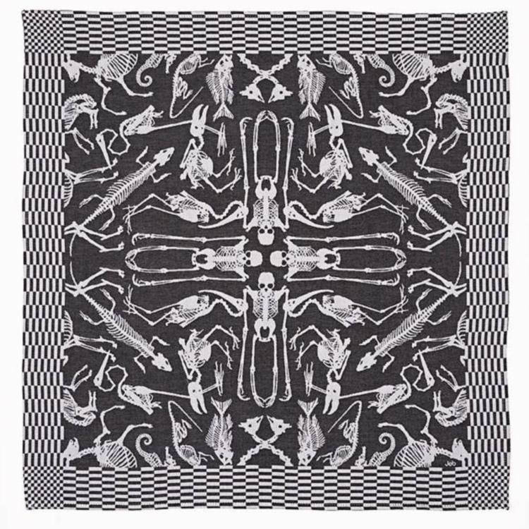 Textielmuseum Studio Job tea towel Perished black