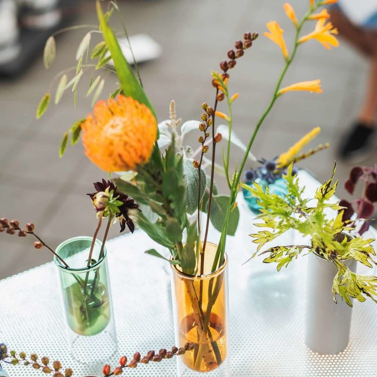 Studio About Flower Tube amber hoog