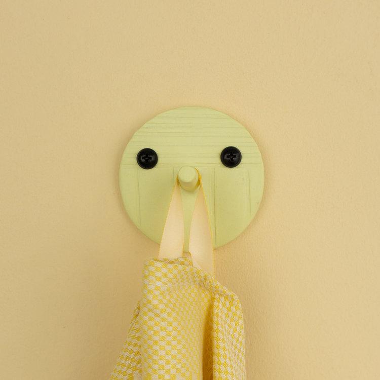 Studio Daphne Zuilhof Daphne Zuilhof hook Nosy yellow