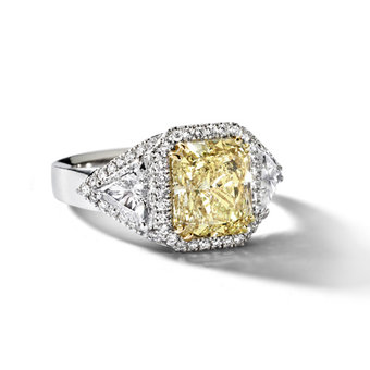 Ring met gele diamant
