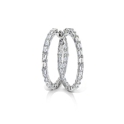 Leon Martens Oorringen in witgoud met baguette geslepen diamantanten Leon Martens Juwelier