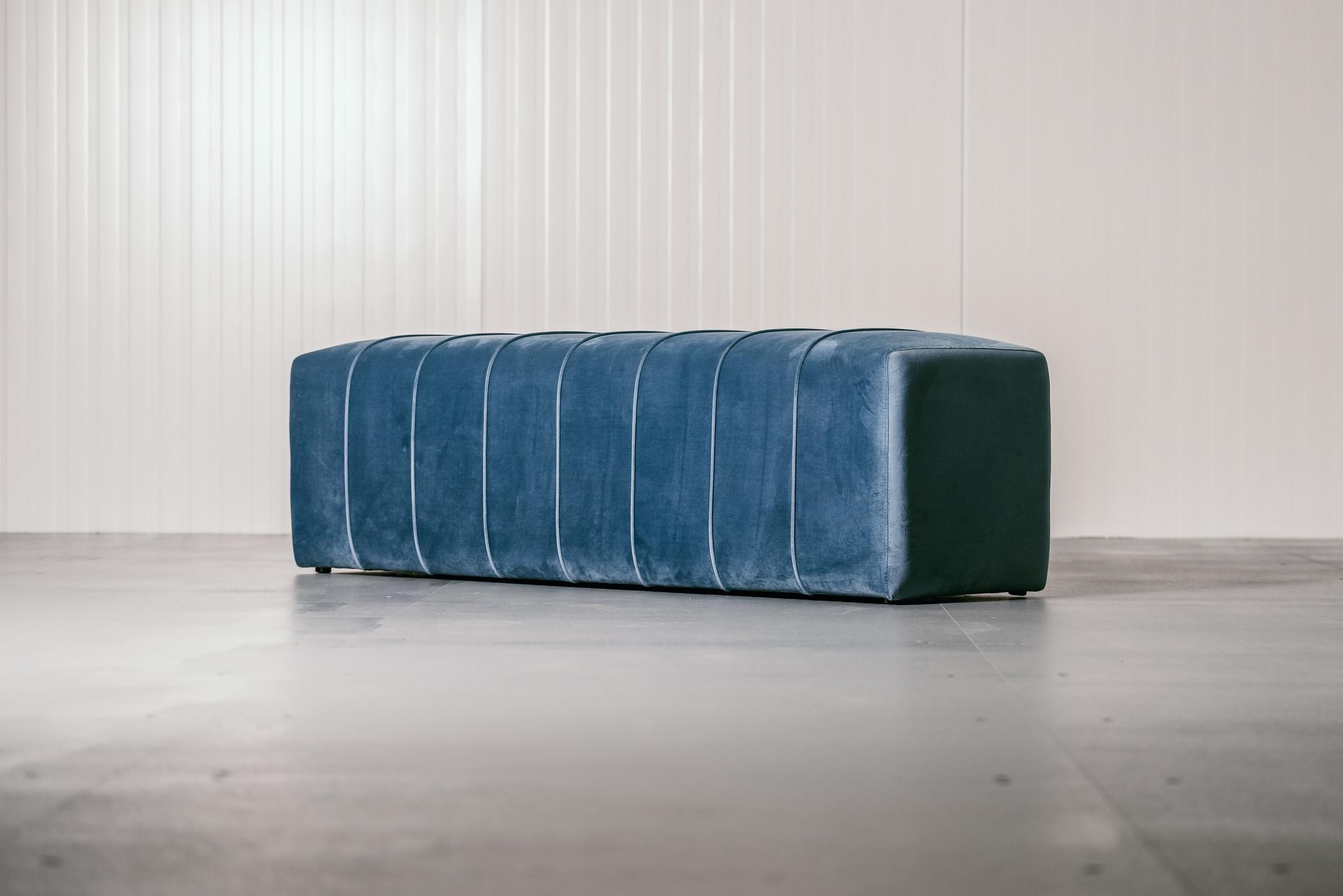 CAPRI Bench Ocean Blue Velvet-2