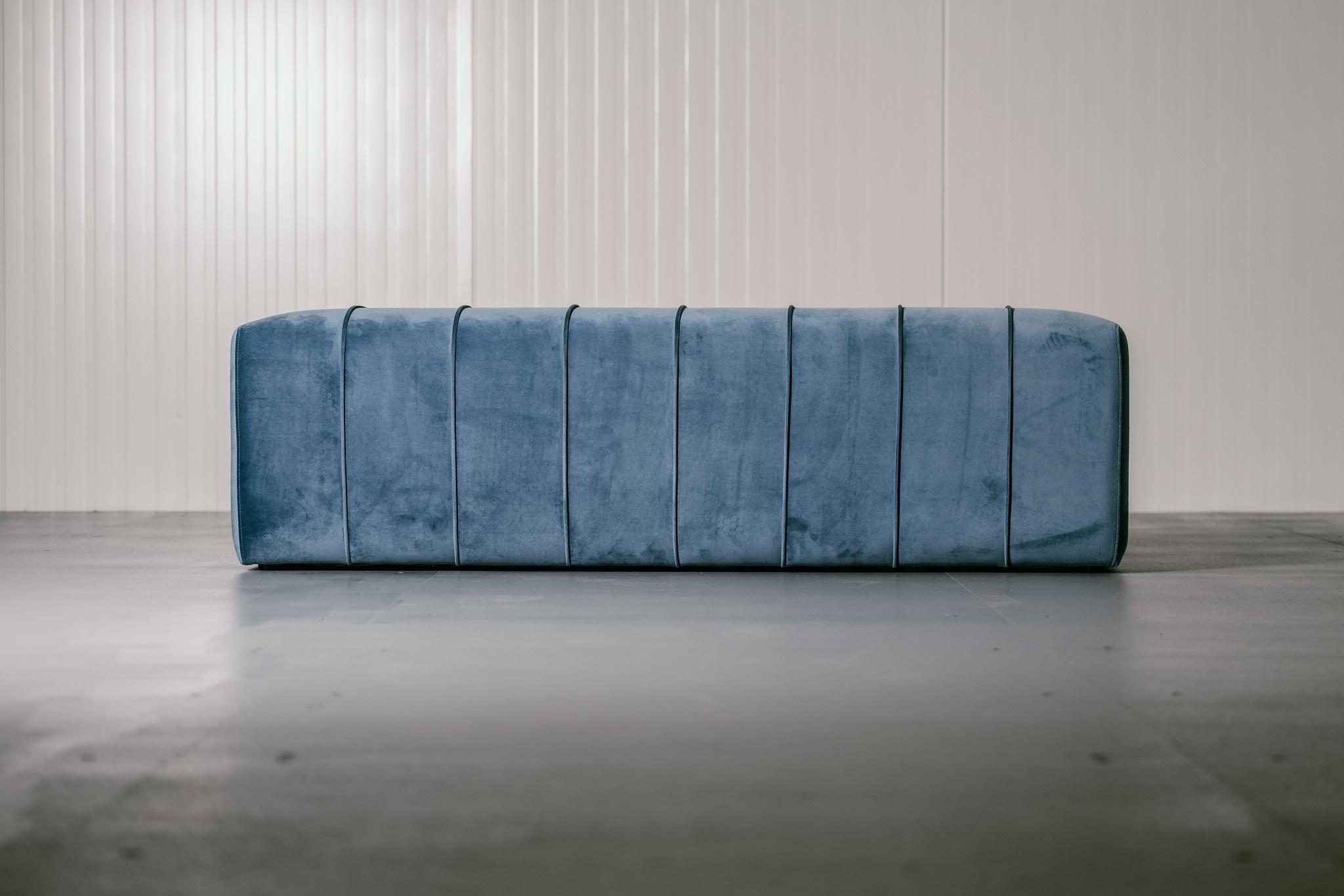 CAPRI Bench Ocean Blue Velvet-3