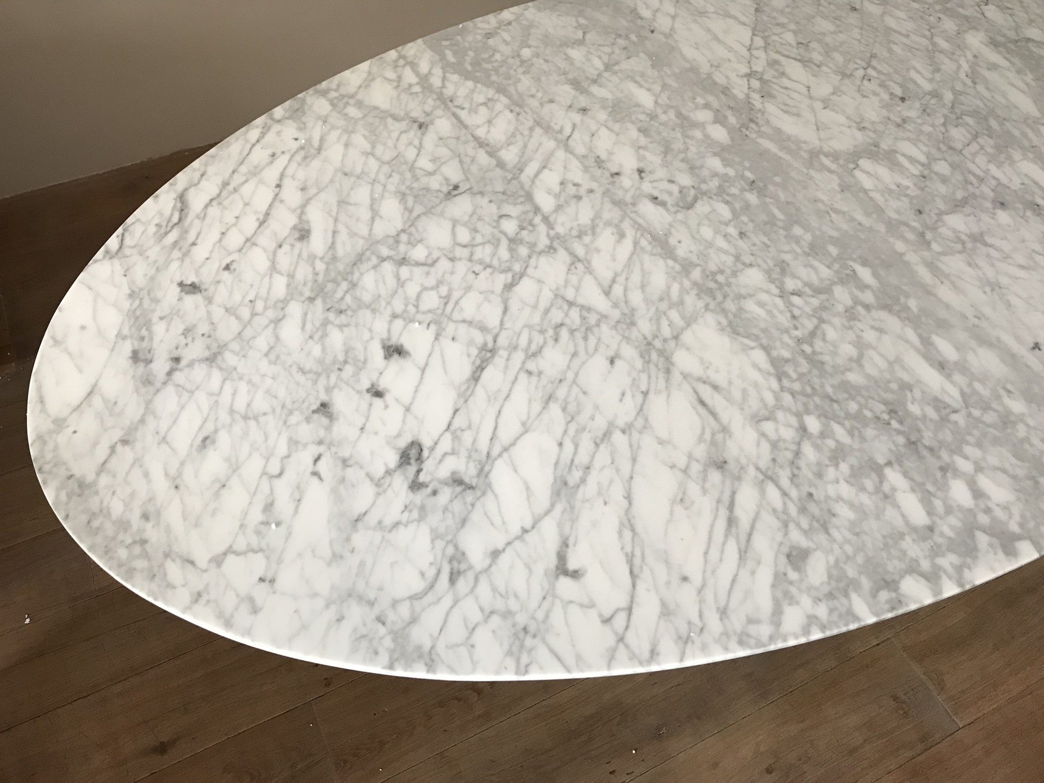 TULIP Dining Table Marble-2