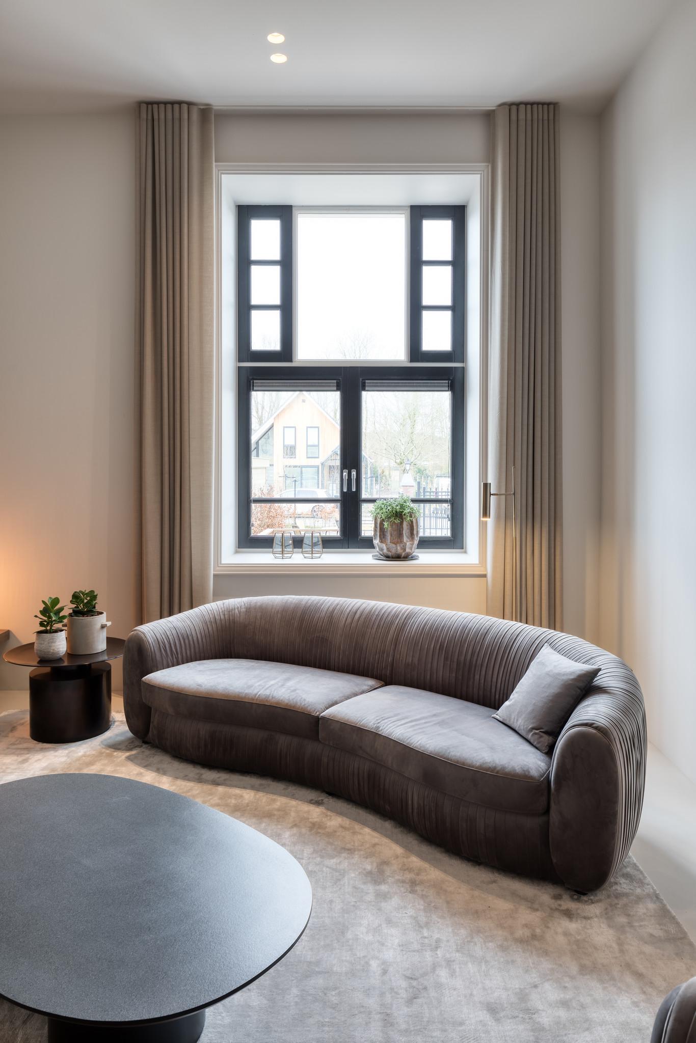 UFFIZI Sofa Dove Grey Velvet-4