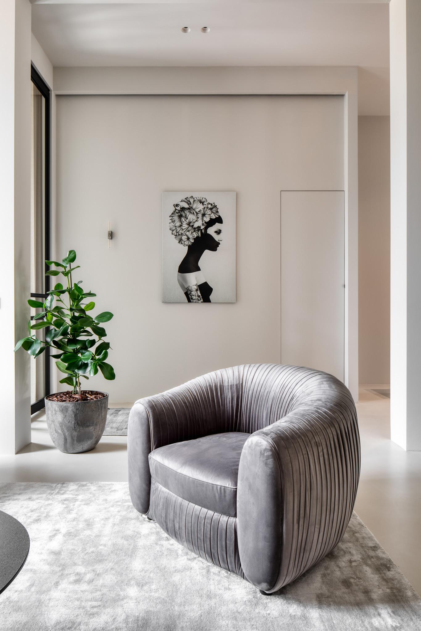 UFFIZI Arm Chair Dove Grey Velvet-3