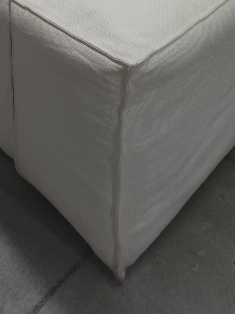 AMSTERDAM Sofa-4