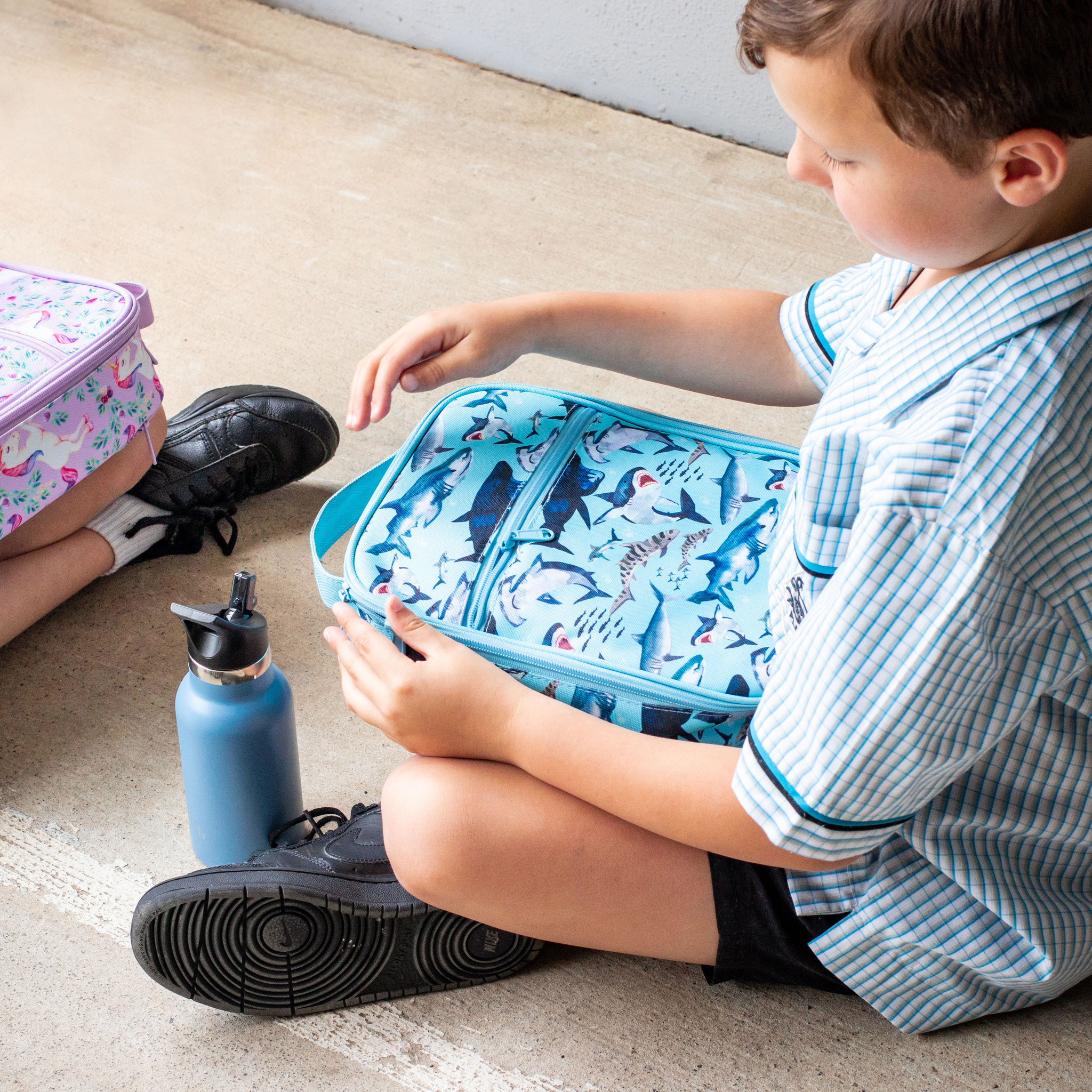 Montii insulated Lunch Bag - Shark-5