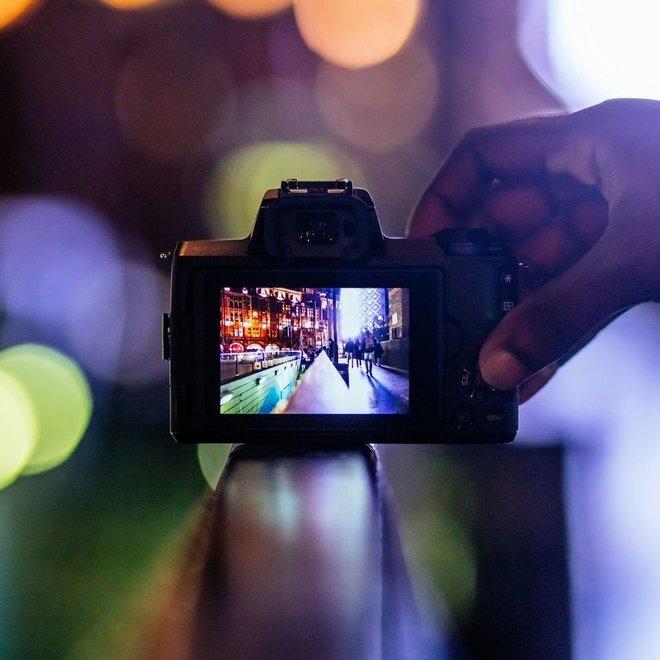 Canon EOS M50 + EF-M 15-45mm Black
