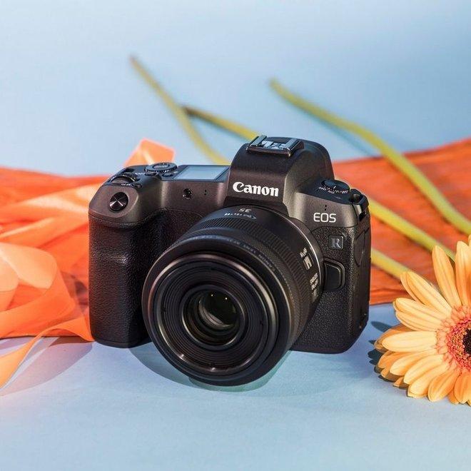 Canon RF 35mm f/1.8 IS Macro STM - Canon Schweiz Partner - CH Produkt