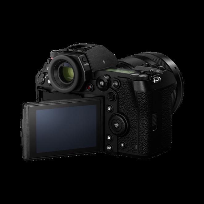 Panasonic Lumix S1R Body + R 24-105mm F4.0  - Panasonic Schweiz Partner - CH Produkt