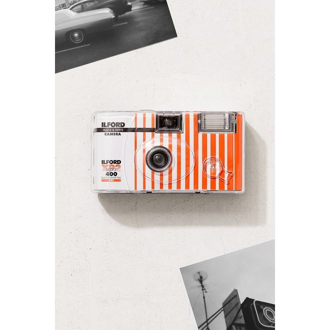 Ilford XP2 Einwegkamera mit Blitz 400 ASA  27 Aufnahmen black & white