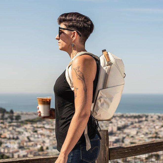Peak Design Everyday Backpack 15L ZIP v2 mattweiss