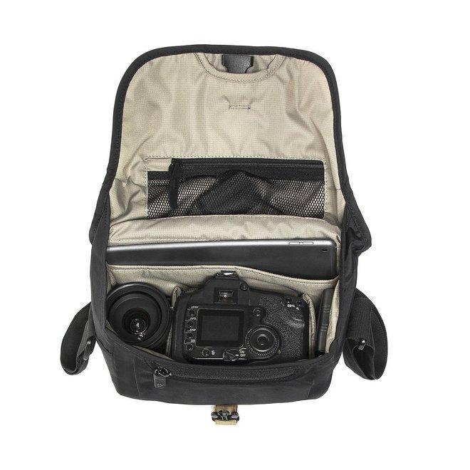 Crumpler Triple A Camera Sling 3800 black