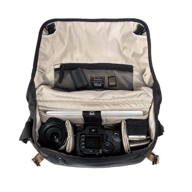 Crumpler Triple A Camera Sling 8000 black