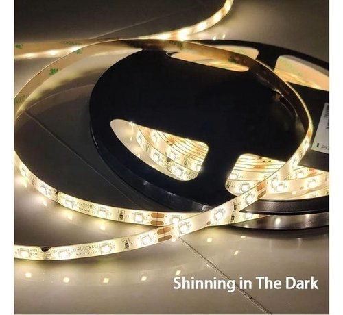 Discountershop 5M LED strip - Warm white - Dimmable - 300 LED - With Adapter - 3500 K.