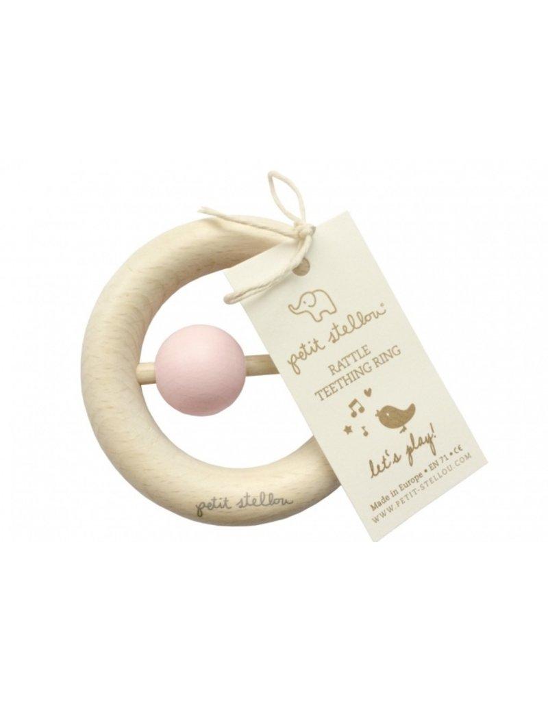 Petit Stellou Houten rammelaar / bijtring - zacht roze