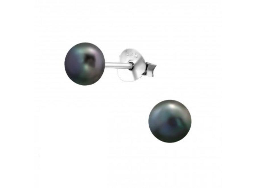 Freshwater pearl earstuds 5mm