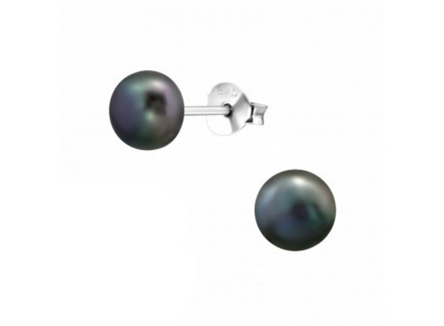 Freshwater pearl earstuds 6mm