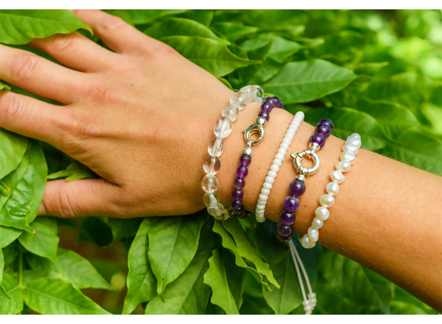 Freshwater pearl bracelet white