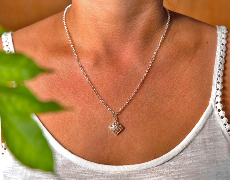 Silver pendant diamond-2