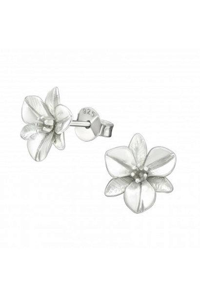 Silver ear studs flower