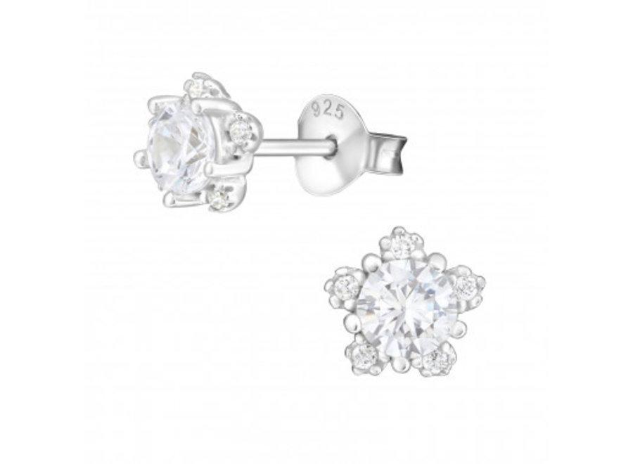 Zilveren oorstekers bloem met zirkonia stenen