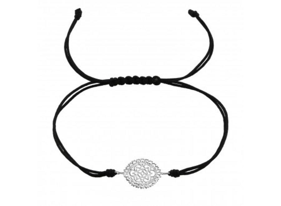 Adjustable filigree bracelet