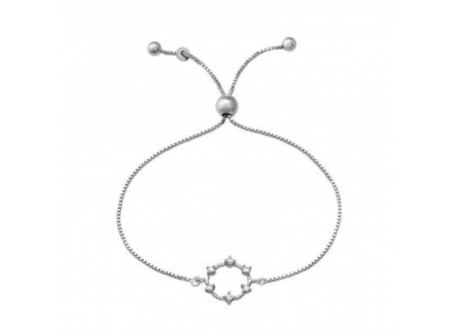 Silver bracelet with zirconia stones.
