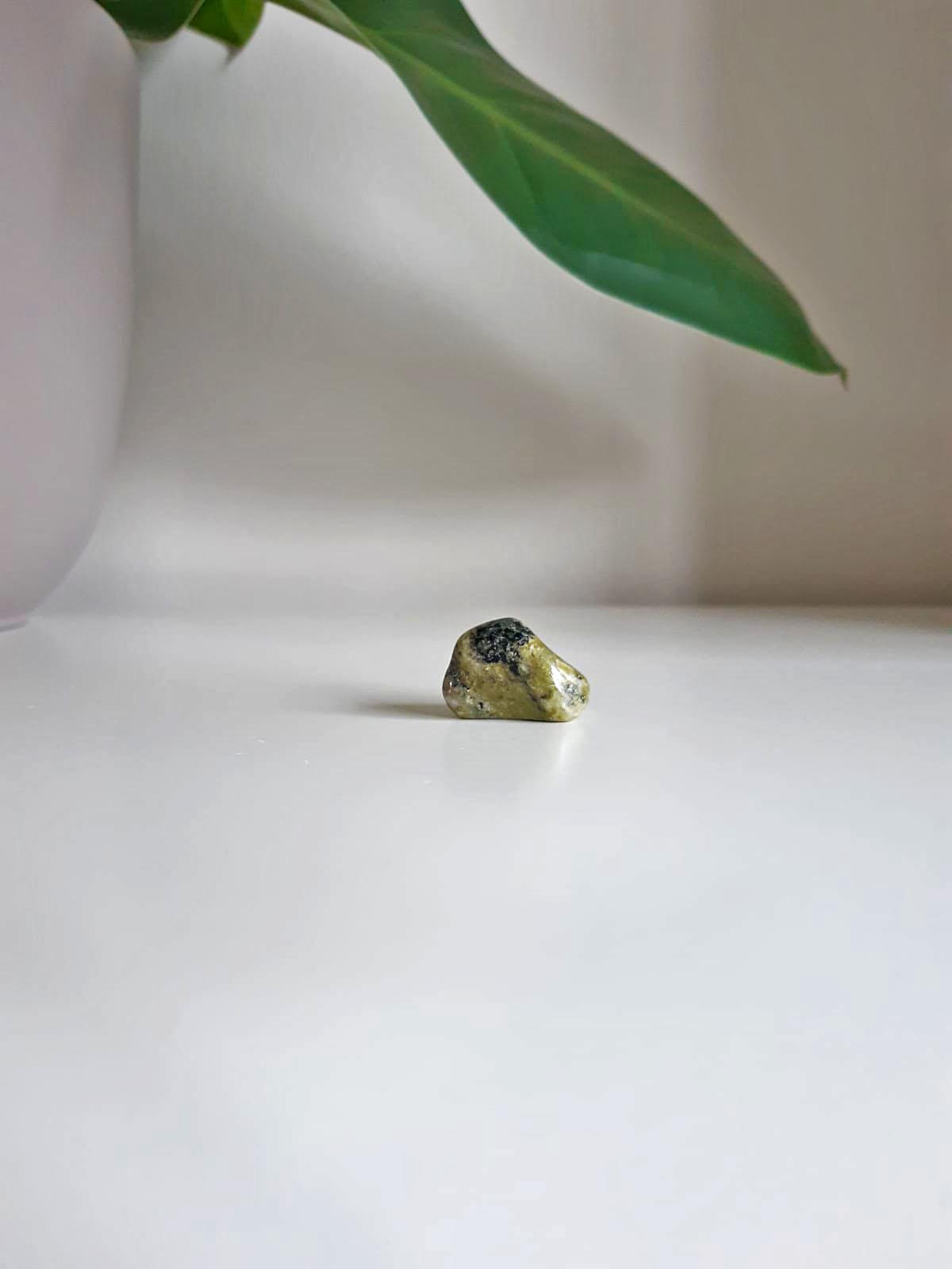 Gemstone serpentine-1