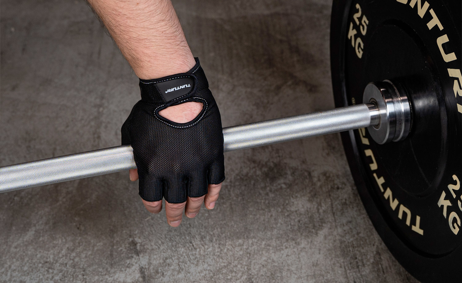 The importance of using support tools in strength training