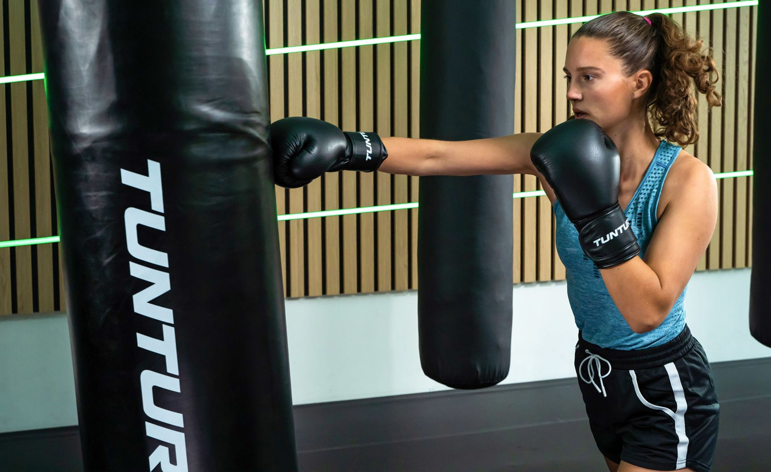 The right foundation for boxing at home