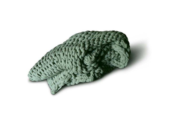 Brynxz knitted plaid pistache green 125 x 150 cm (100% acrylic)