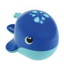 waterspuitende walvis voor in bad blauw