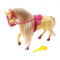 paard met accessoires blond