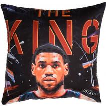 kussen LeBron James 40 x 40 cm polyester zwart/rood
