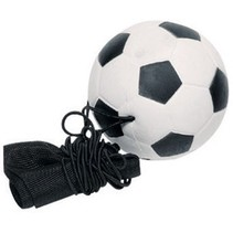 voetbal aan armband 6,3 cm zwart