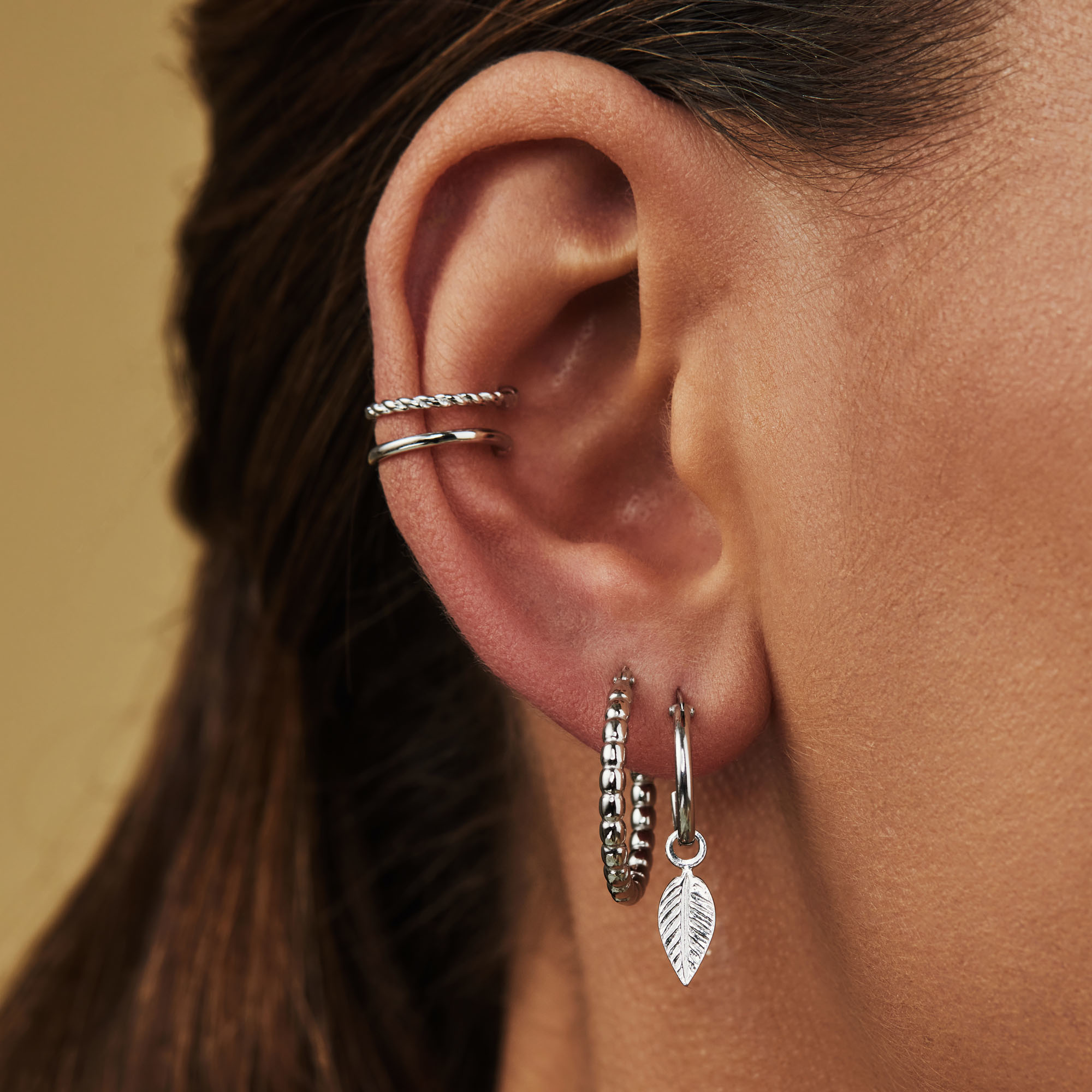 Selected Jewels Julie Lucie 925 sterling silver creoles with feathers