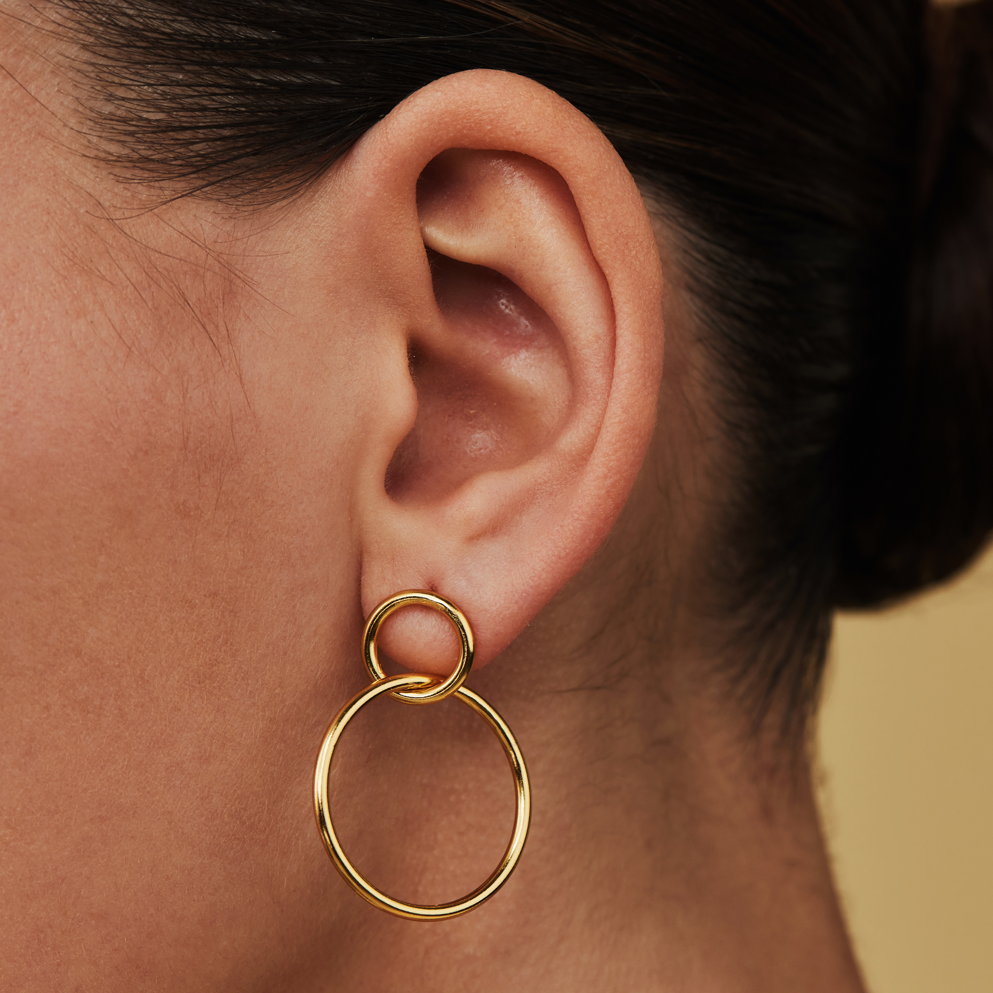 Selected Jewels Zoé 925 sterling silver gold colored drop earrings with circles