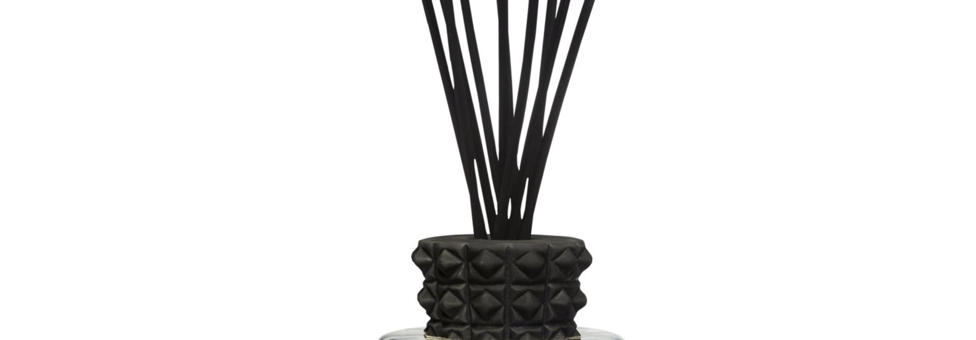 Totem 2L Black Pearls luxury bottle