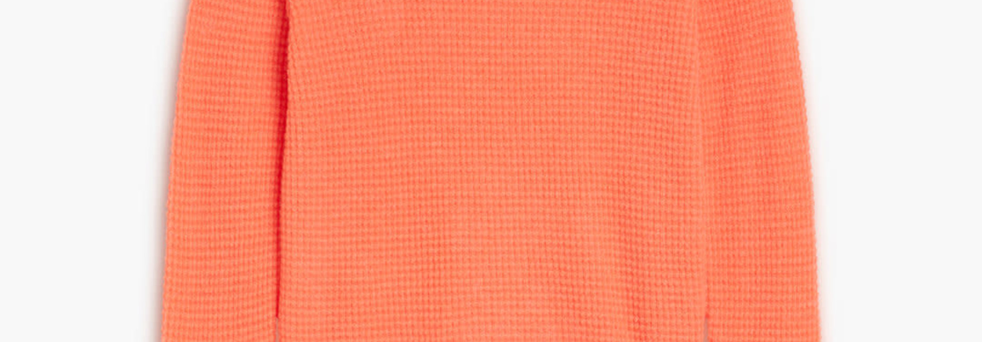 Knit strong coral
