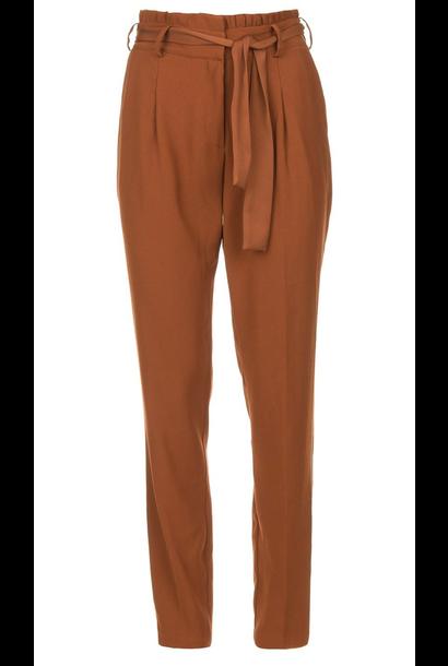 Brandoo belted pants